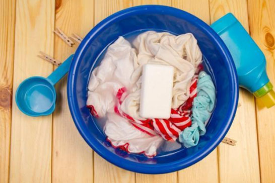 衣服忘了晒,馊了的洗衣小妙招!